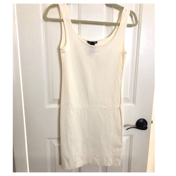 H&M Dresses & Skirts - Fitted white dress